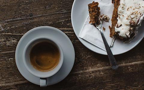 Kaviarne a cukrárne